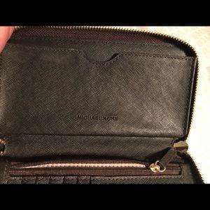 MICHAEL Michael Kors Bags - Michael Kors wristlet/wallet